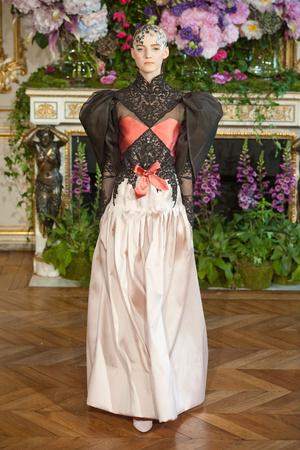 Показ Alexis Mabille коллекции сезона Осень-зима 2013-2014 года Haute couture - www.elle.ru - Подиум - фото 556527
