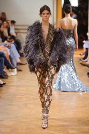 Показ Zuhair Murad коллекции сезона Осень-зима 2013-2014 года haute couture - www.elle.ru - Подиум - фото 556605
