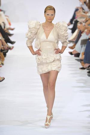 Показ Elie Saab коллекции сезона Осень-зима 2009-2010 года haute couture - www.elle.ru - Подиум - фото 87535