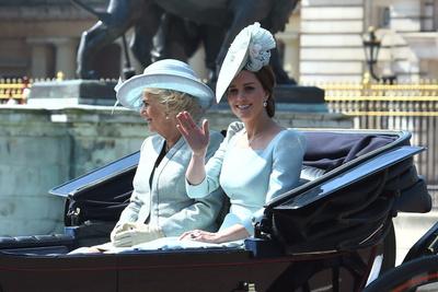 Образ дня: Кейт Миддлтон на дне рождении королевы (галерея 1, фото 1)