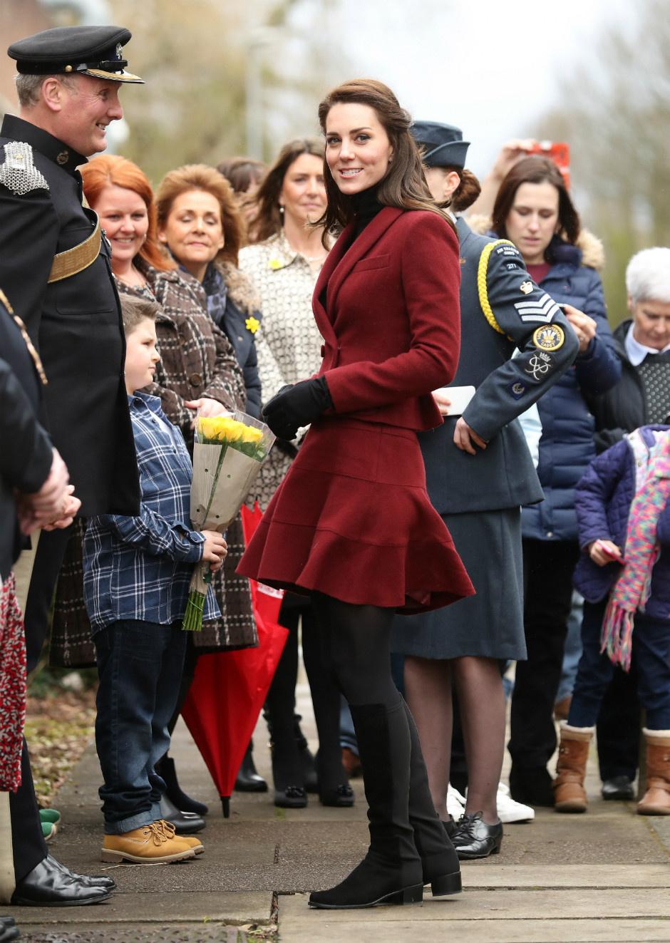 10 раз, когда Кейт Миддлтон пренебрегла королевским дресс-кодом фото [9]