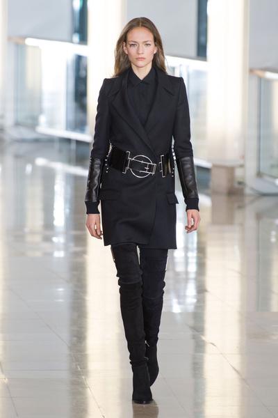 Показ Anthony Vaccarello на Неделе моды в Париже | галерея [2] фото [34]