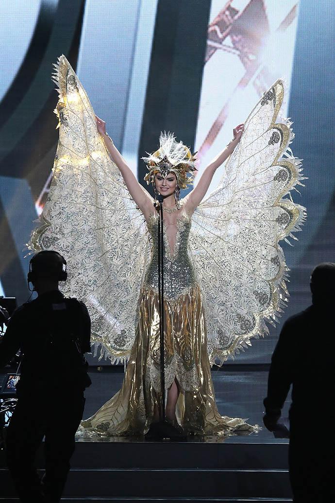 Владислава Евтушенко на Мисс Вселенная 2015