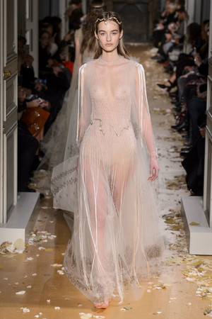 Показ Valentino коллекции сезона Весна-лето  2016 года Haute couture - www.elle.ru - Подиум - фото 603099