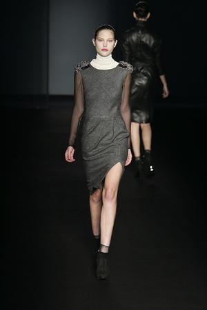 Показы мод Alberta Ferretti Осень-зима 2009-2010 | Подиум на ELLE - Подиум - фото 3191
