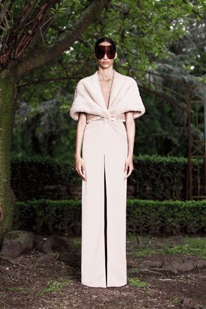Показ Givenchy коллекции сезона Осень-зима 2012-2013 года Haute couture - www.elle.ru - Подиум - фото 404591