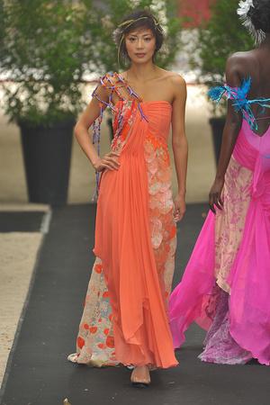 Показ On Aura Tout Vu коллекции сезона Осень-зима 2009-2010 года haute couture - www.elle.ru - Подиум - фото 88211