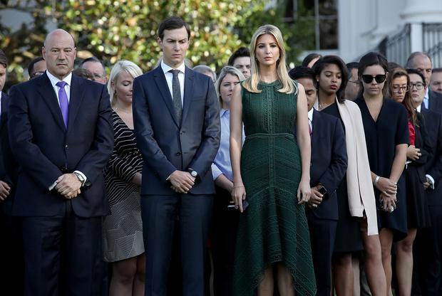 Дональд Трамп увольняет Иванку и Джареда Кушнера (фото 3)