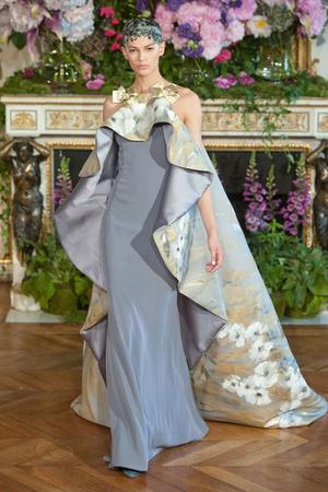 Показ Alexis Mabille коллекции сезона Осень-зима 2013-2014 года Haute couture - www.elle.ru - Подиум - фото 556523