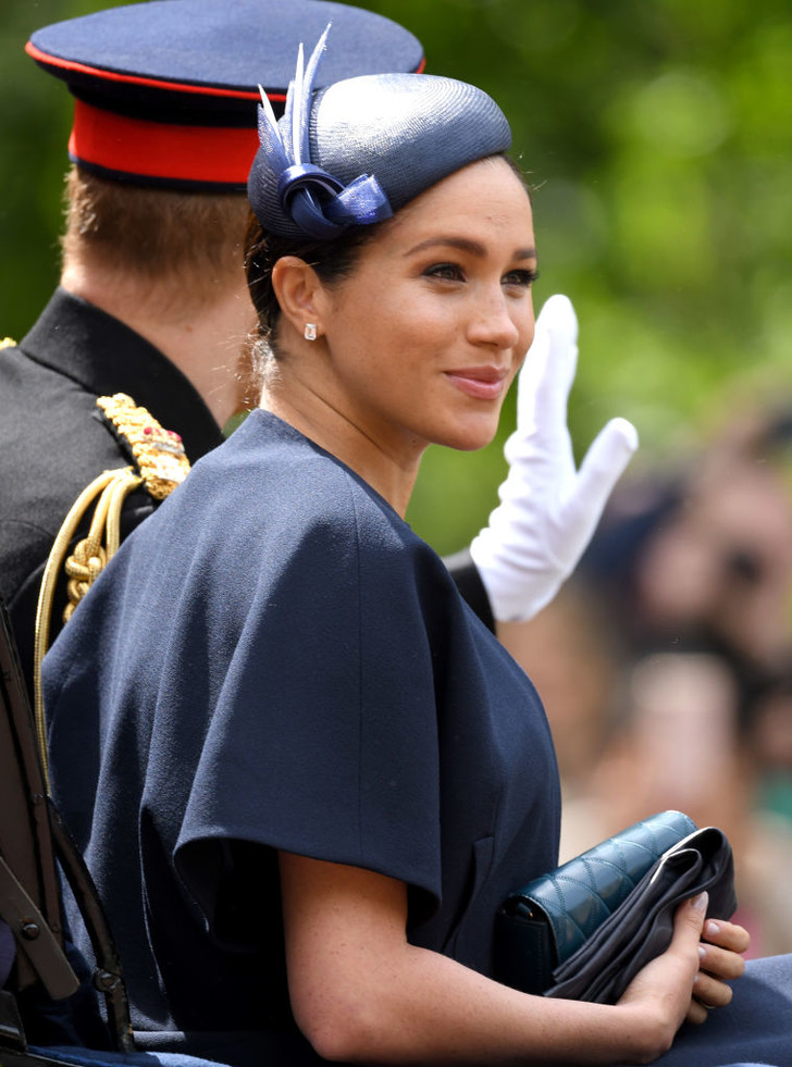 Прощай, королева: 30 лучших выходов Меган Маркл в качестве члена монаршей семьи (фото 72)
