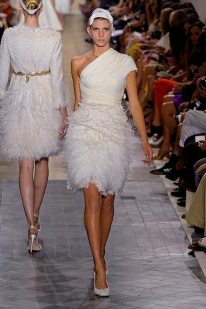 Показ Giambattista Valli коллекции сезона Осень-зима 2011-2012 года Haute couture - www.elle.ru - Подиум - фото 277047