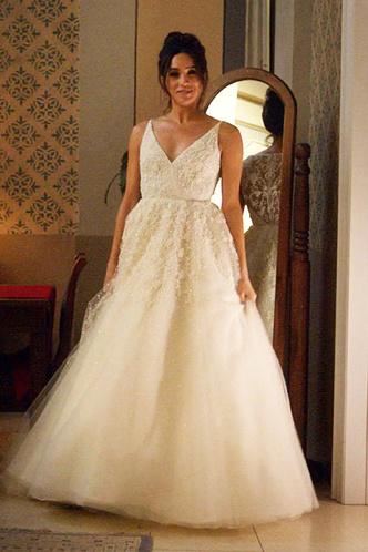 Меган Маркл выбирает свадебное платье фото [2]