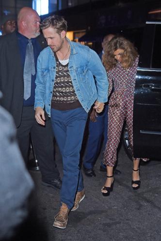Фото дня: Ева Мендес и Райан Гослинг на свидании в Нью-Йорке фото [4]