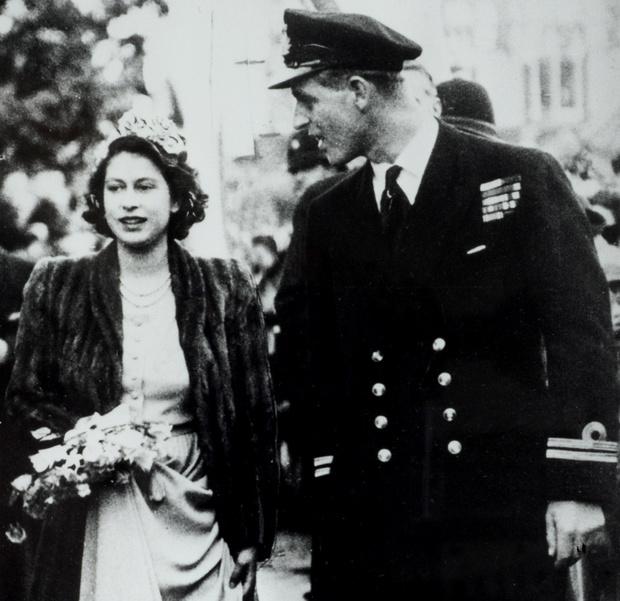 Елизавета II и принц Филипп в молодости фото
