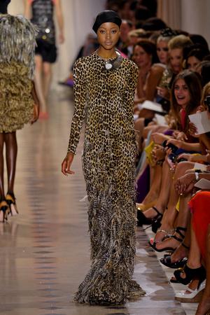 Показ Giambattista Valli коллекции сезона Осень-зима 2011-2012 года Haute couture - www.elle.ru - Подиум - фото 277045