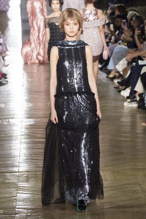 Показ Ulyana Sergeenko коллекции сезона Осень-зима 2016-2017 года Haute couture - www.elle.ru - Подиум - фото 606882