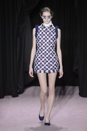 Показ Viktor & Rolf коллекции сезона Весна-лето 2018 года Haute couture - www.elle.ru - Подиум - фото 677321