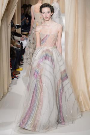 Показ Valentino коллекции сезона Весна-лето 2015 года haute couture - www.elle.ru - Подиум - фото 593303
