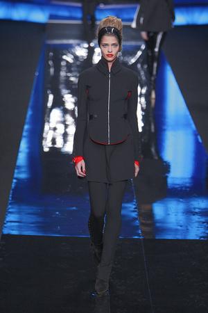 Показ Karl Lagerfeld коллекции сезона Осень-зима 2010-2011 года Prêt-à-porter - www.elle.ru - Подиум - фото 155999