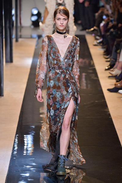 Неделя моды в Париже: показы Alexander McQueen и Paul & Joe ready-to-wear осень — зима 2015-2016 | галерея [2] фото [8]