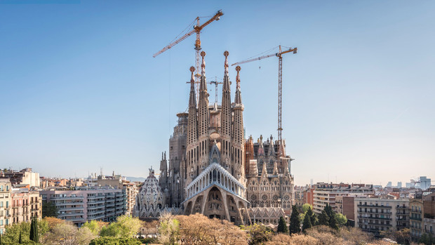 Собор Sagrada Familia: 10 интересных фактов о самом осуждаемом долгострое в мире (фото 0)