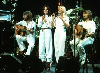 Dancing Queen: как одеться в стиле ABBA (фото 3.1)