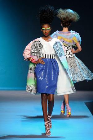 Показ Christian Dior коллекции сезона Осень-зима 2011-2012 года Haute couture - www.elle.ru - Подиум - фото 277115