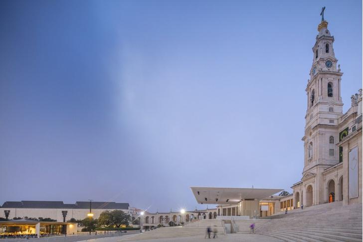 Эффектная реконструкция церкви в Португалии (фото 2)