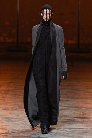 Показы мод Rick Owens Осень-зима 2012-2013 | Подиум на ELLE - Подиум - фото 1446