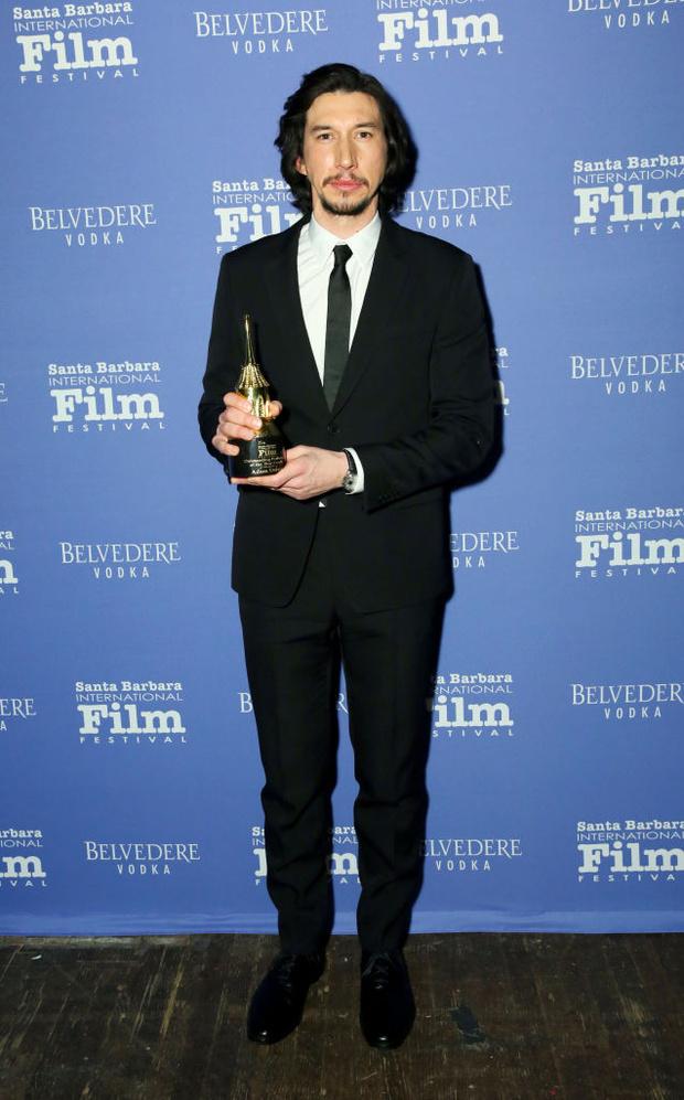 От Леонардо Ди Каприо до Хоакина Феникса: уроки мужского стиля главных номинантов на «Оскар» (фото 15)
