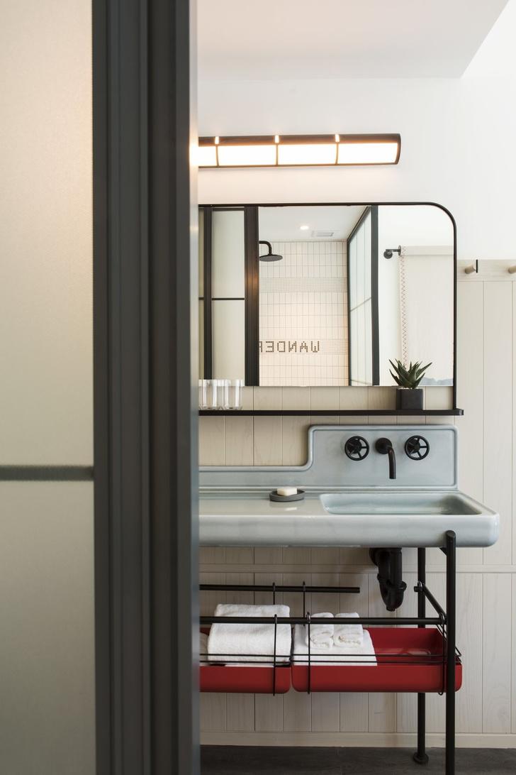 Дизайнерский отель с микро-номерами в Нью-Йорке (фото 26)