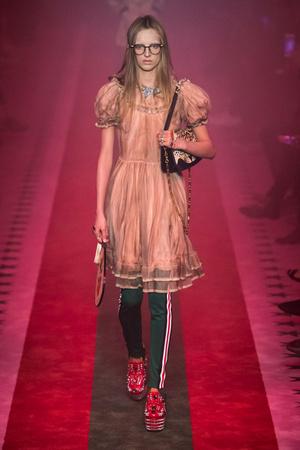 Показы мод Gucci Весна-лето  2017 | Подиум на ELLE - Подиум - фото 4665