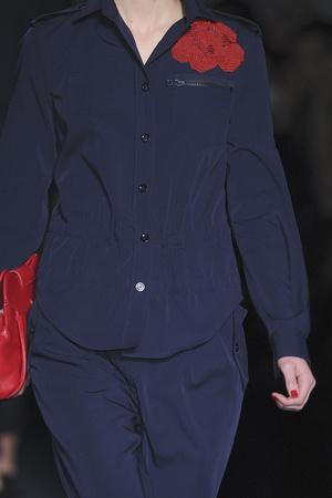 Показ Moschino коллекции сезона Осень-зима 2009-2010 года Prêt-à-porter - www.elle.ru - Подиум - фото 96433