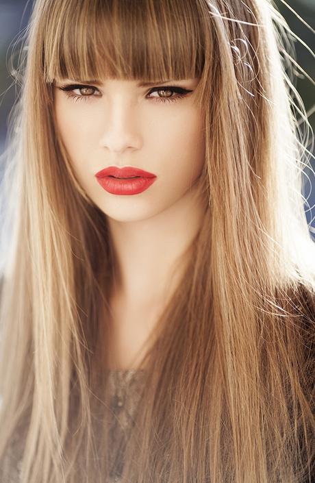 Прямые длинные волосы прически