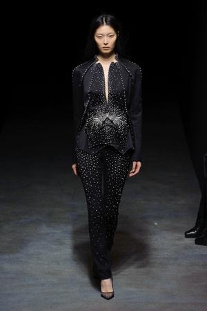Показ Yiqing Yin коллекции сезона Весна-лето 2014 года Haute couture - www.elle.ru - Подиум - фото 575308