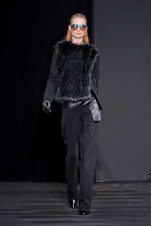Показ Costume National коллекции сезона Осень-зима 2012-2013 года prêt-à-porter - www.elle.ru - Подиум - фото 380890