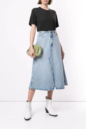 Всего одна юбку на весну — джинсовая миди, как носили наши мамы (фото 9.1)