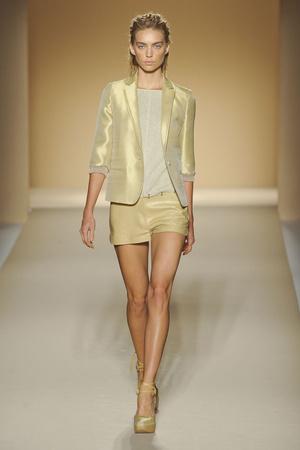 Показы мод Max Mara Весна-лето 2012 | Подиум на ELLE - Подиум - фото 1906