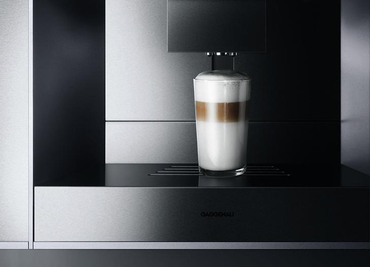 Автоматическая кофемашина CM 450, запоминающая индивидуальные предпочтения.