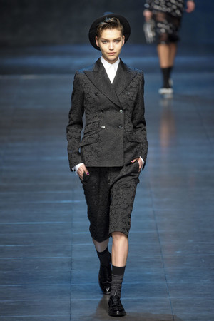 Показ Dolce & Gabbana коллекции сезона Осень-зима 2011-2012 года Prêt-à-porter - www.elle.ru - Подиум - фото 246928