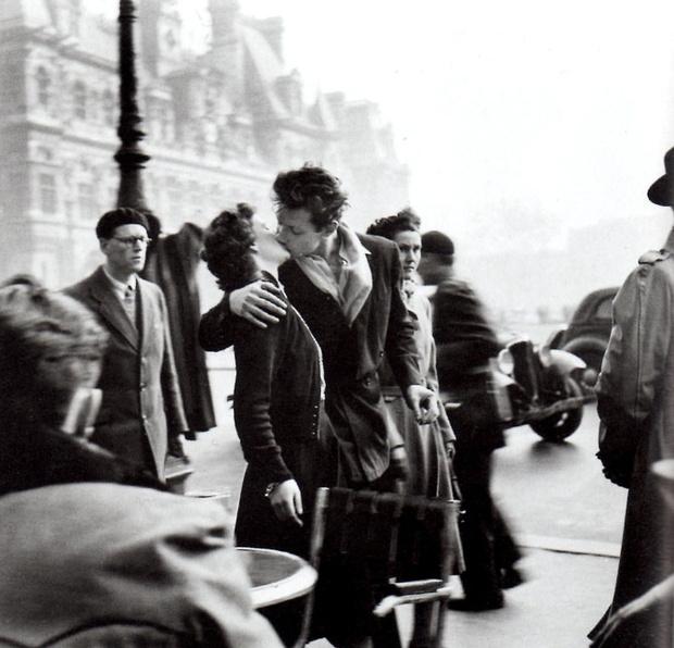 Любовное настроение: 24 культовые скульптуры, картины и фотографии поцелуев (фото 44)