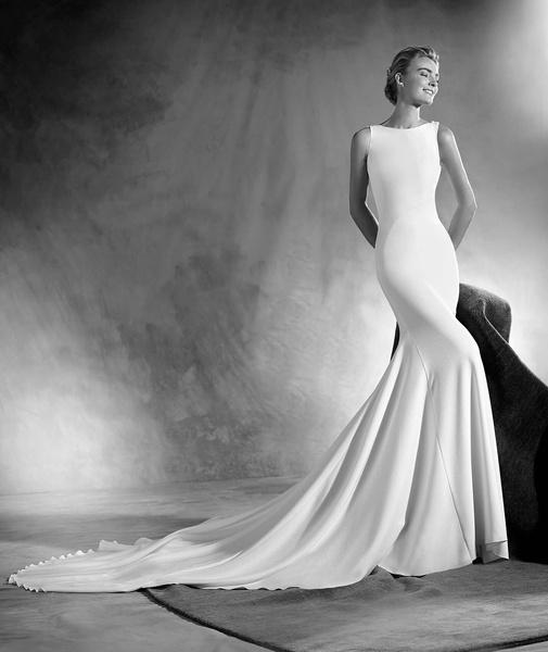 25 платьев мечты для невест из новой коллекции Pronovias | галерея [1] фото [25]