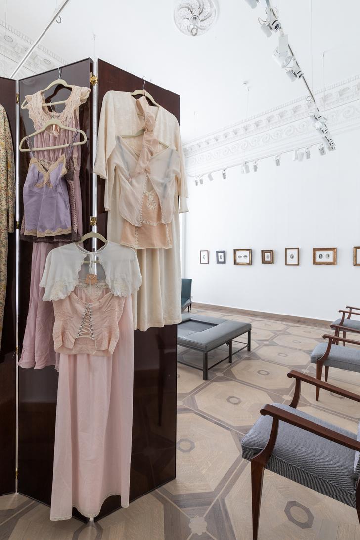 """""""Профессионалки"""": выставка в галерее Tirage Unique (фото 6)"""