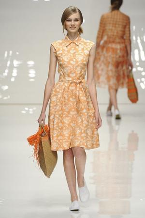 Показы мод Jasper Conran Весна-лето 2011 | Подиум на ELLE - Подиум - фото 2602
