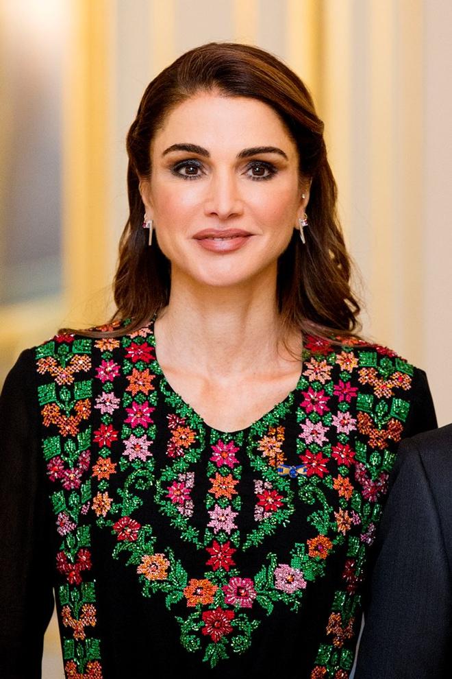 этой породы фотографии королевы иордании прямо пляже