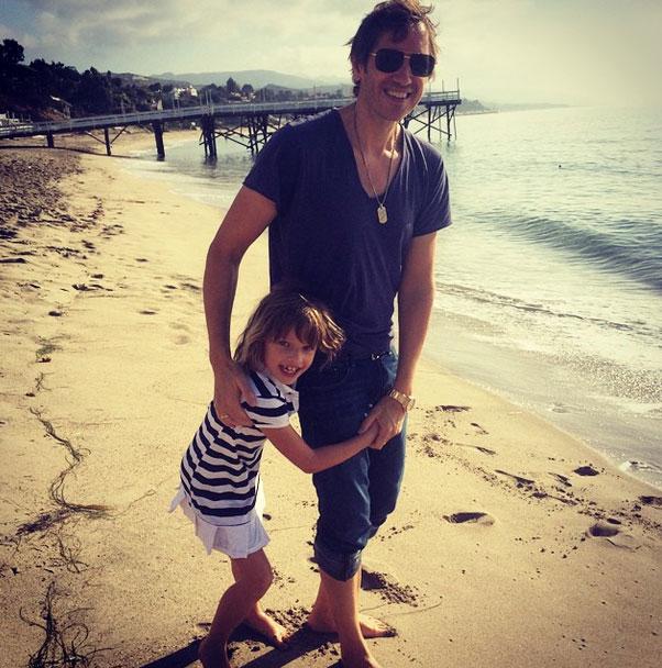 Пол Андерсон со старшей дочерью