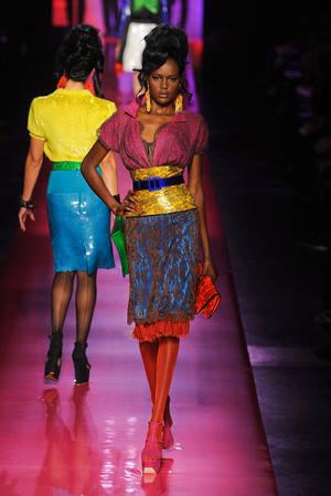 Показ Jean Paul Gaultier коллекции сезона Весна-лето 2012 года Haute couture - www.elle.ru - Подиум - фото 332622