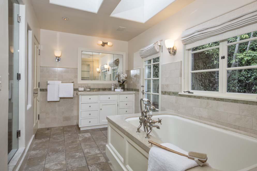 Дом Кэтрин Хепберн продан за 7,4 млн долларов | галерея [1] фото [4]
