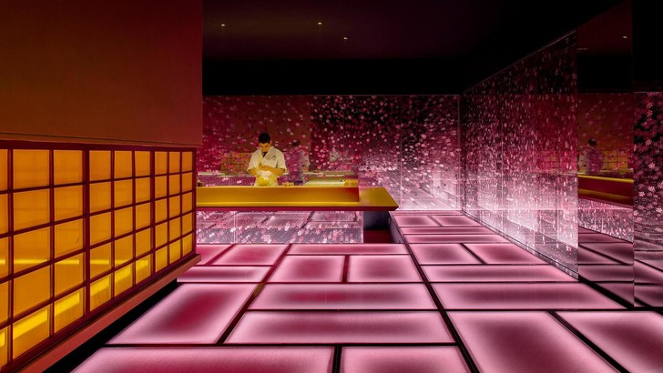 This radiant, virtual-like labyrinth is really a Japanese restaurant in Shanghai (фото 0)