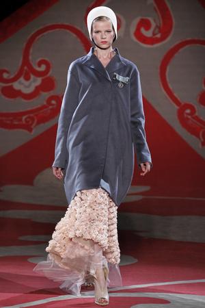 Показ Ulyana Sergeenko коллекции сезона Осень-зима 2012-2013 года haute couture - www.elle.ru - Подиум - фото 404224
